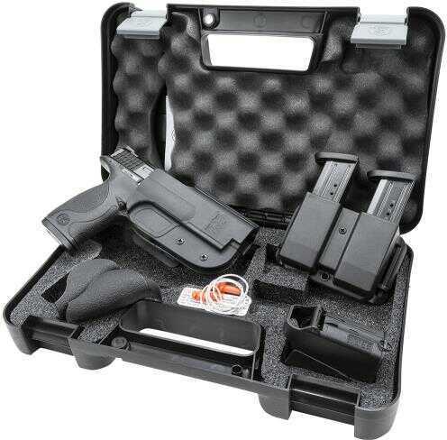 Smith & Wesson M&P40 40 S&W Carry & Range Kit 15 Round Semi-Automatic Pistol 209330