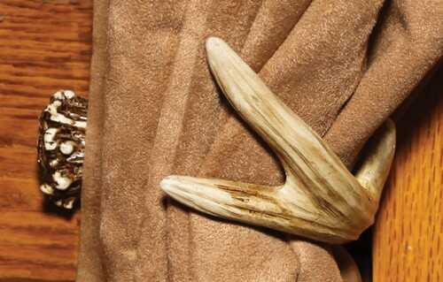 Rivers Edge Products Rivers Edge Deer Antler Tieback Hooks 1 Pair Per Pack
